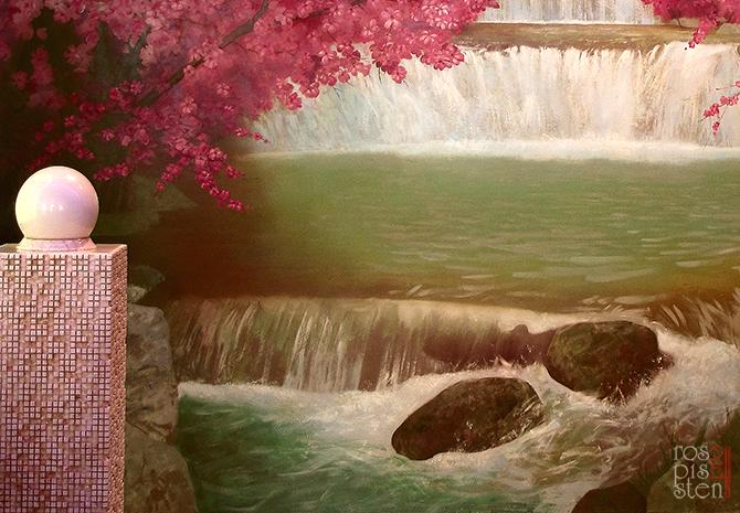 роспись ресторана, камни и водопад