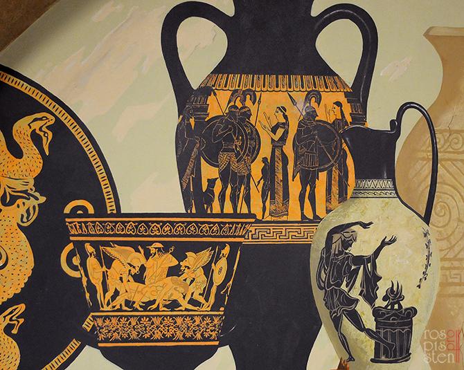 фрагмент сросписи с греческими амфорами