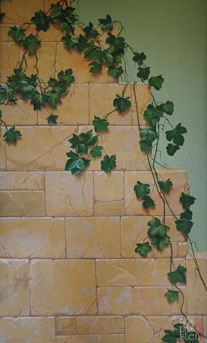каменная стена виноград
