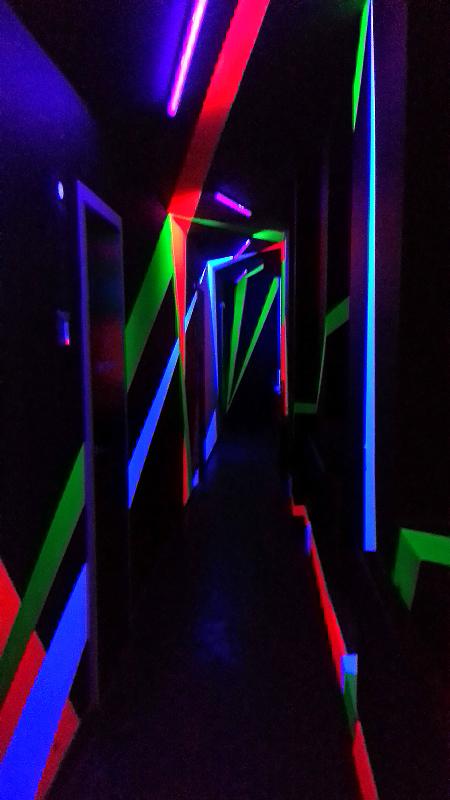 флуоресцентные краски в интерьере